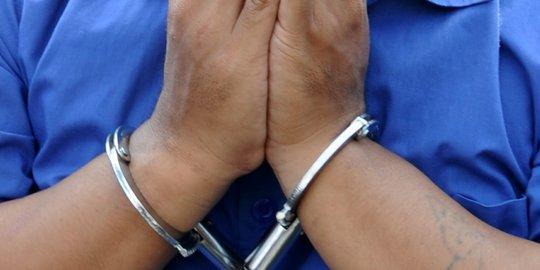 Menolak Dijadikan Taruhan Judi, Seorang Wanita Disiram Air Keras Oleh Suami