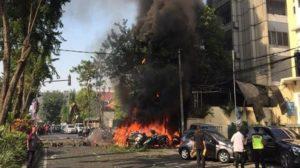 Bom di tiga gereja di Surabaya